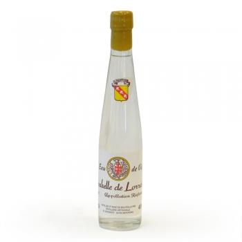 Une bouteille de 35 cl d'Eau de vie de mirabelle